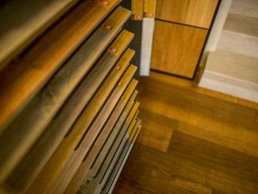 Dřevo vs Vinyl